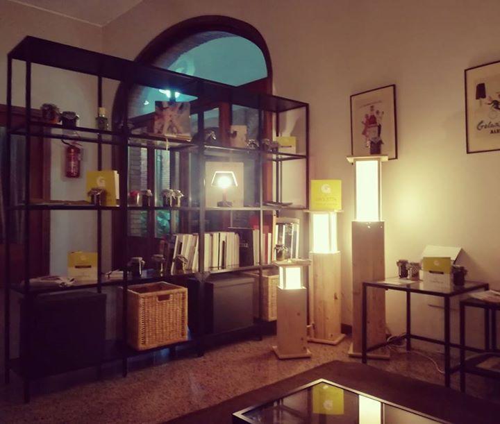 Anche la nostra reception si arricchisce delle bellissime lampade  provenienti d...