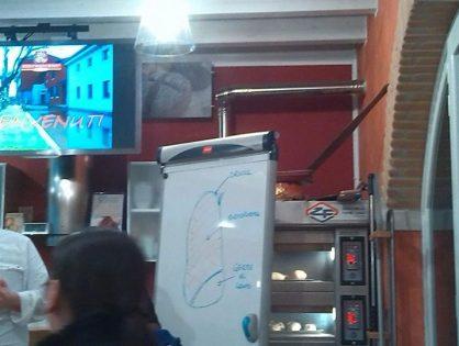 Prima uscita Ital-puzzle....visita mulino rosso...in preparazione della pizza di...
