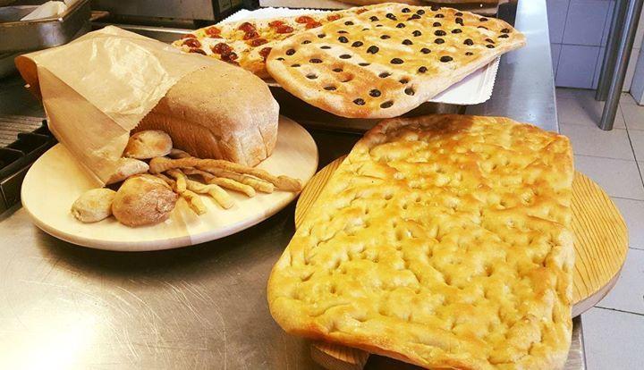 Qui alla Groletta le sorprese non finisco mai! Ecco qui, su richiesta: pane, gri...