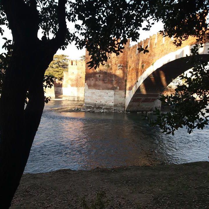 L'Adige e la città raccontano le donne di Verona